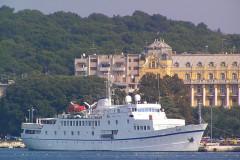 Port agent MV Monet